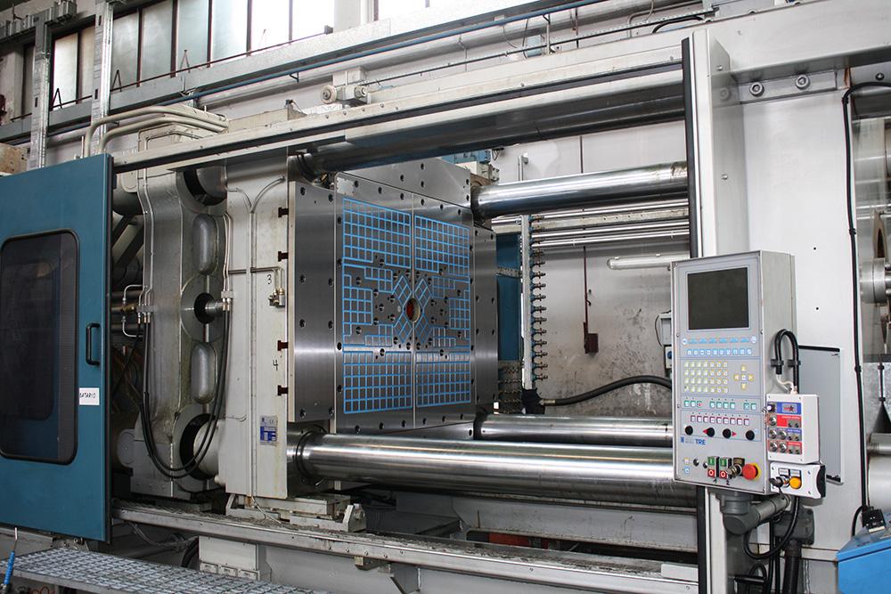 I piani magnetici Sympli: ideali per le presse per stampaggio e iniezione
